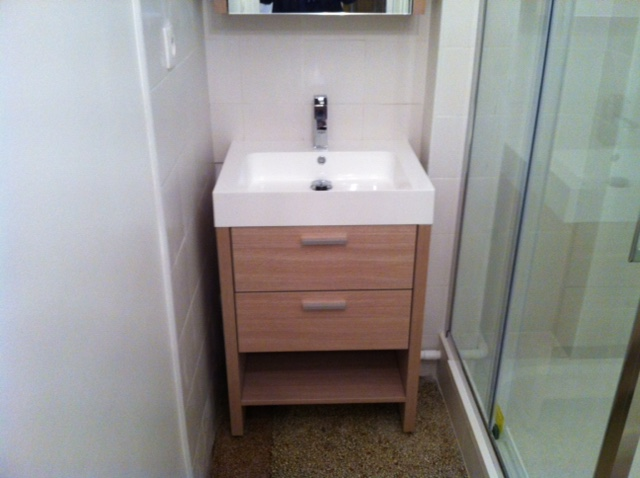 salle de bain 1 renobat. Black Bedroom Furniture Sets. Home Design Ideas